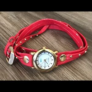 Vtg La Mer Collections wrap watch